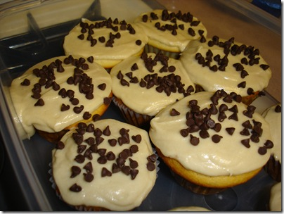 Chocolate Chip Cookie Dough Cupcakes (9)
